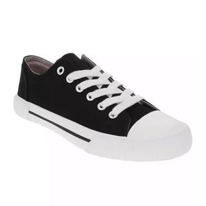 3/$20 Sugar Paige Lace-Up Sneakers 7.5